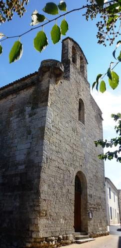 Façade ouest surmontée d'un clocheton à deux baies campanaires