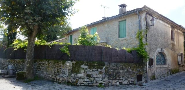 Maison au centre village (ancienne bergerie au rez de chaussée à voûte clavée en berceau)