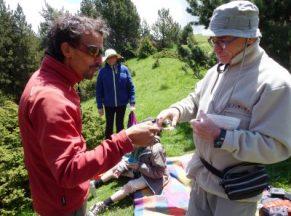 Elixir des Chartreux servi par Gérard en guise de pousse café à chaque picnic